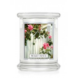Aromatyczna świeca Kringle Candle Picket Fence w zamykanym szklanym słoiku